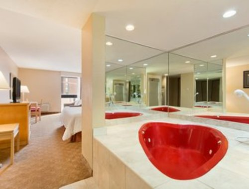King Heart Shaped Whirlpool Suite with breakfast!