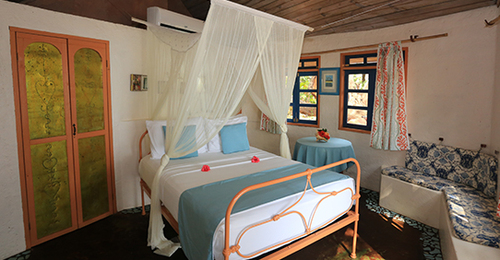 Conch - Jake's Hotel