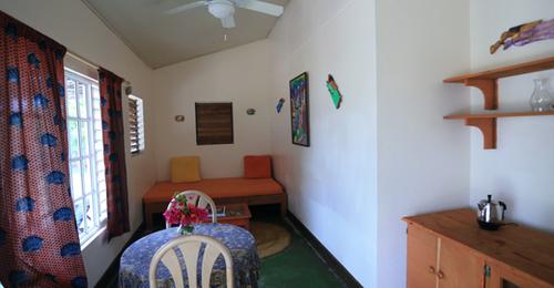 Tiki - Jake's Hotel