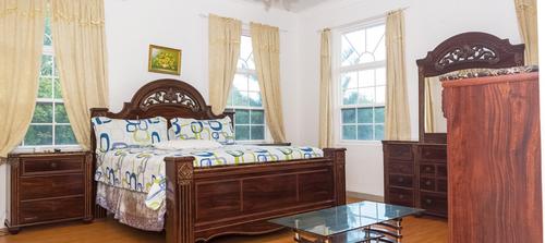 Queen Suite - Mayfair Hotel