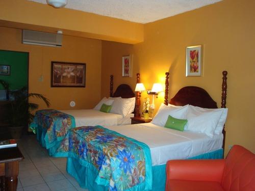 Deluxe Room - Golf View Hotel