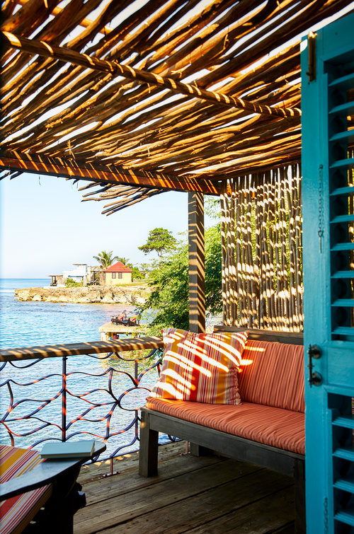 Deluxe one bedroom oceanfront - Jakes Village