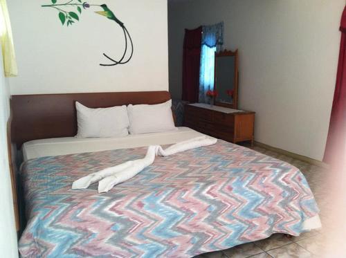 Deluxe Room 2 - Platinum Hotel