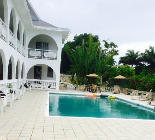 2 Bedroom Villa - Kenwood Villa 1