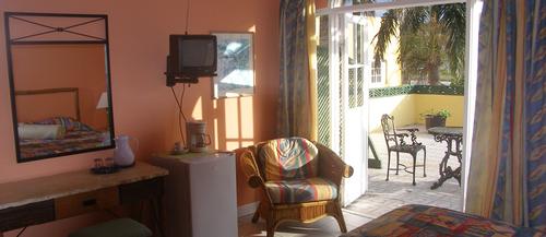 King Deluxe Room - Royal Reef Hotel