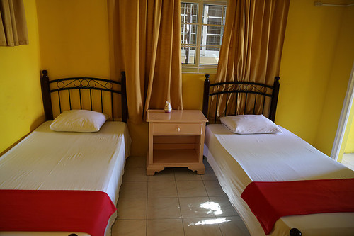 Economy Quad Private - Reggae Hostel