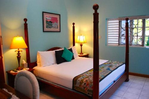 The Sanctuary - The Blue House Boutique Bed & Breakfast