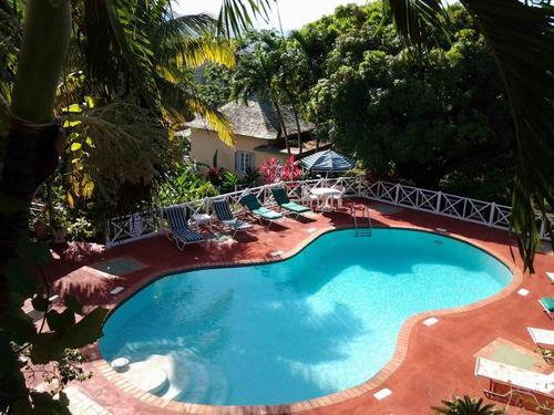 Deluxe Room 5 - Rio Vista Resort & Villas
